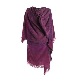 CAPES & RUANAS CELTIC RUANA - Rich Burgundy