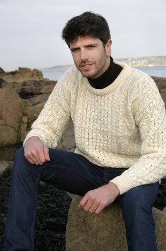 SWEATERS NATURAL IRISH ARAN CREW NECK SWEATER