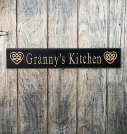 "PLAQUES, SIGNS & POSTERS ""GRANNY'S KITCHEN"" CARVED WOOD SIGN"