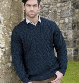 SWEATERS TRADITIONAL KNIT V NECK SWEATER