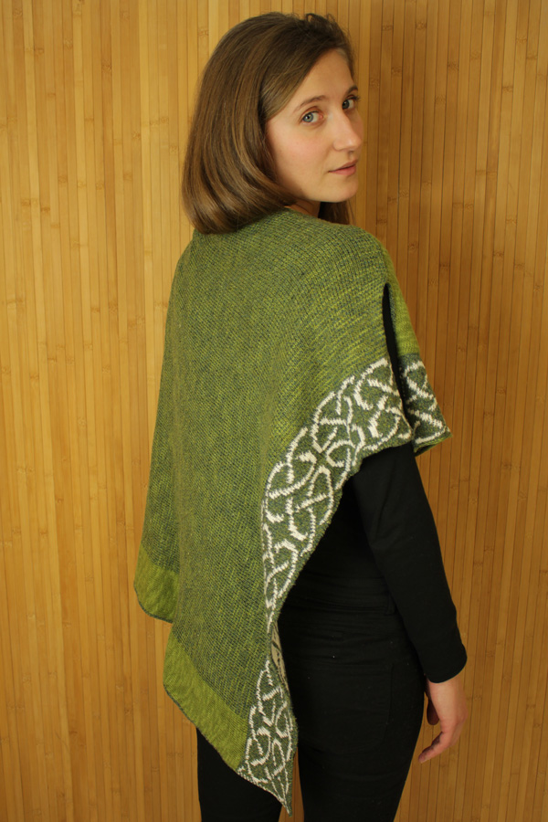 CAPES & RUANAS BILL BABER WALLACE SHAWL - Clover