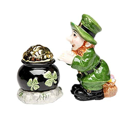 KITCHEN & ACCESSORIES LEPRECHAUN with POT OF GOLD SALT & PEPPER SET