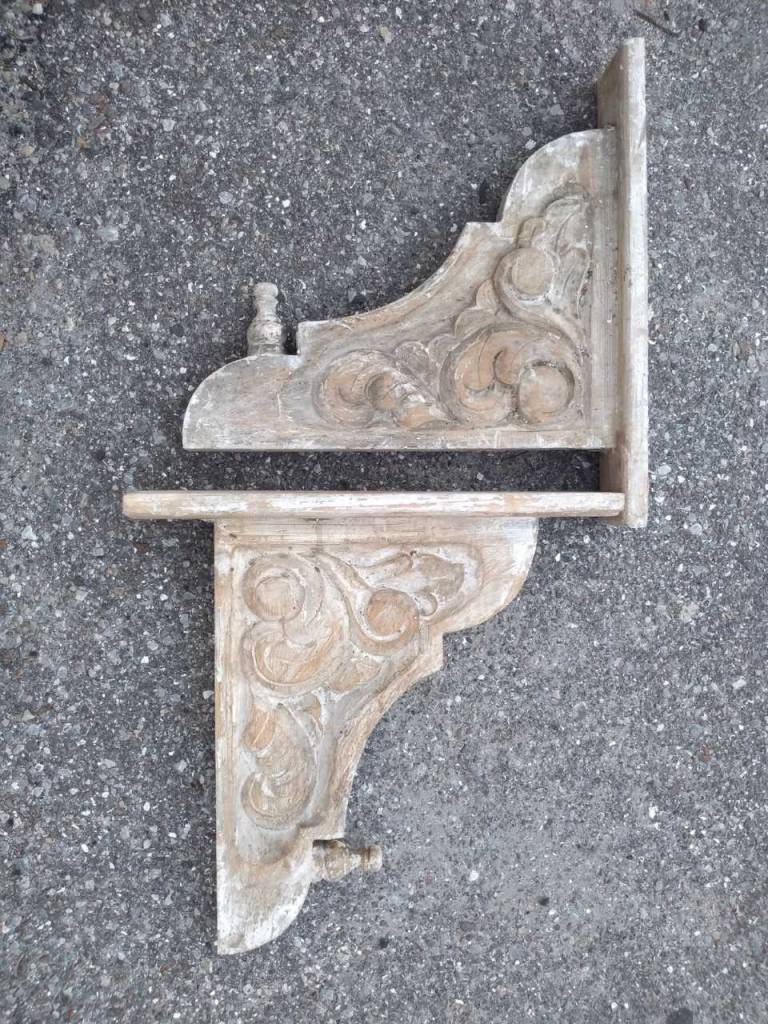 Wooden Corbel Style N