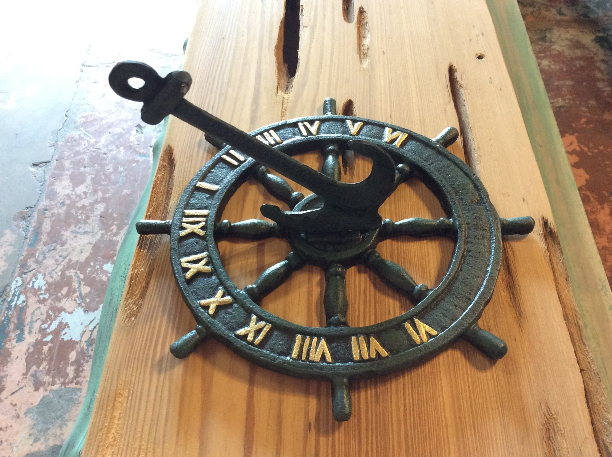 Nautical sundial