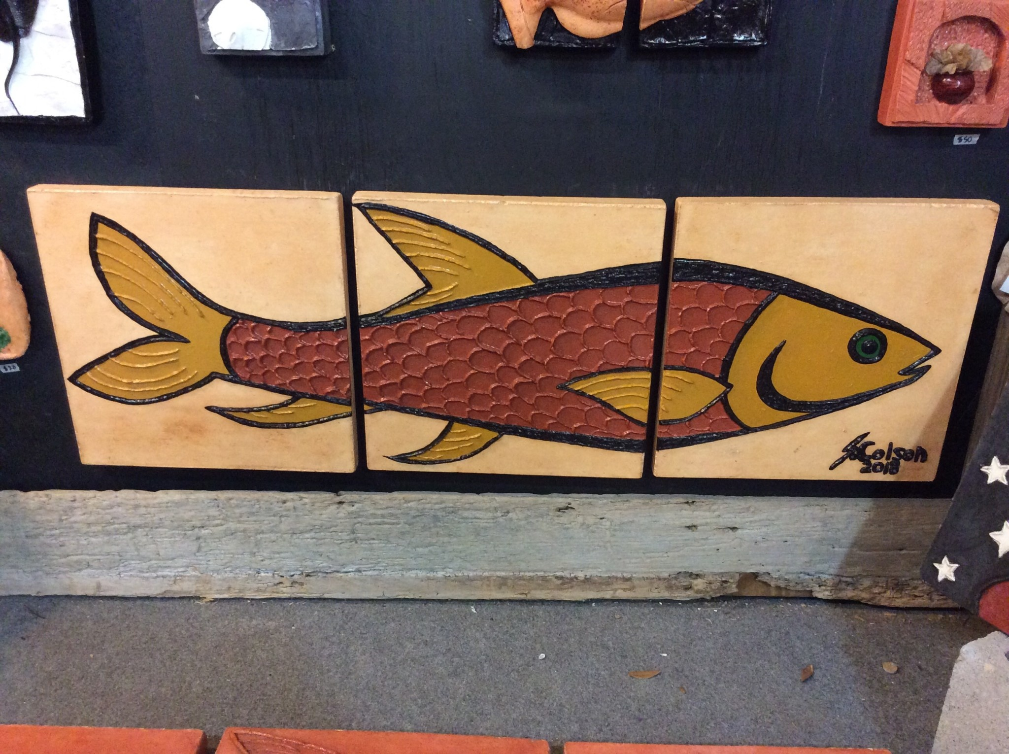 Cast stone 3 panel fish red and yellow