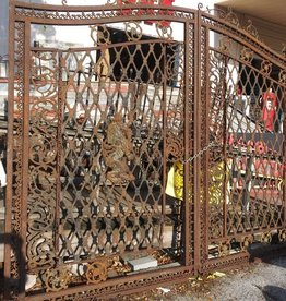 Iron Gate Set w/ Lion