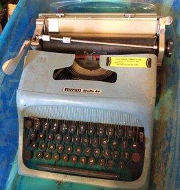 Olivetti studio 44 type writer