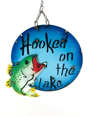 """Hooked on the Lake Screen 15""""D"""