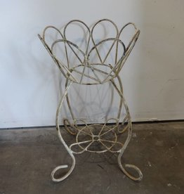 Daisy Plant Stand