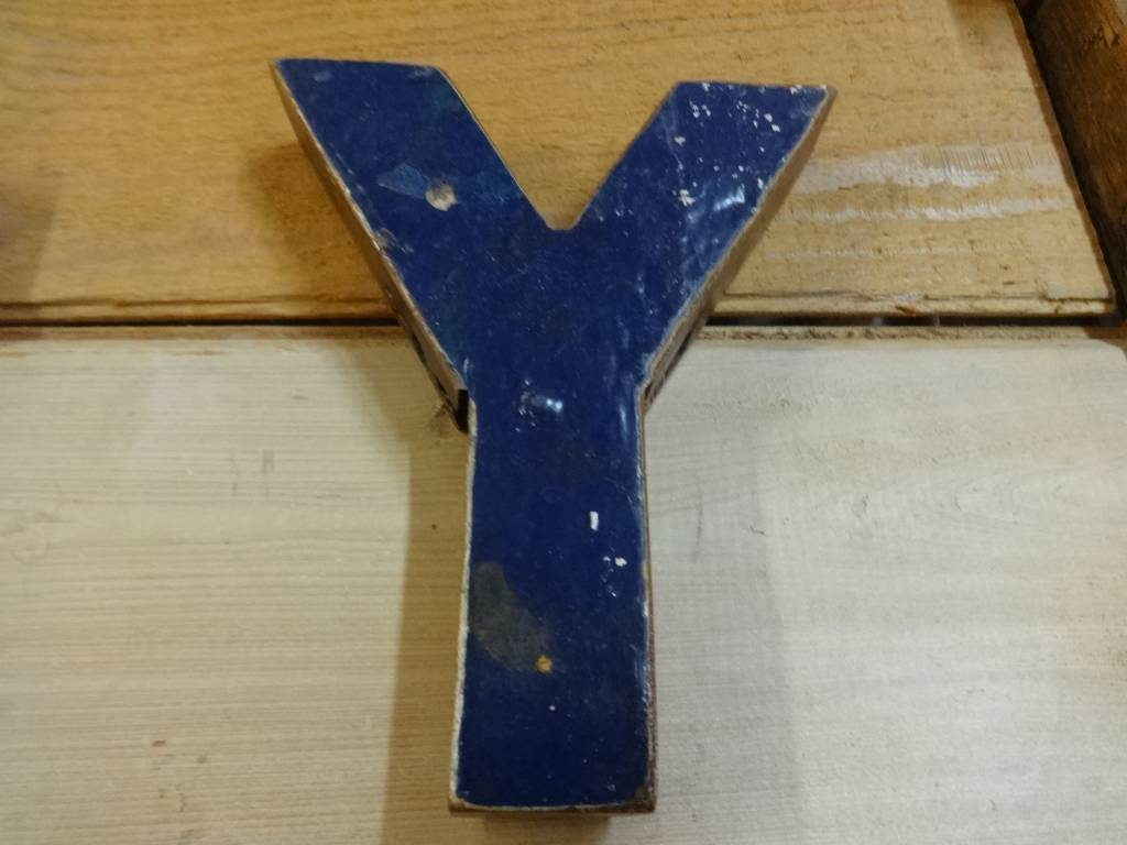 """7"""" Teak Boat Letter Y"""