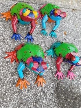 Medium Tin Frog