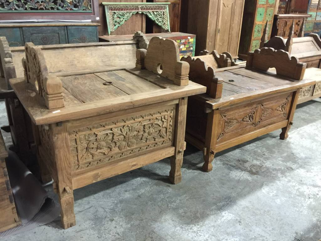 Carved Jodang Suitcase