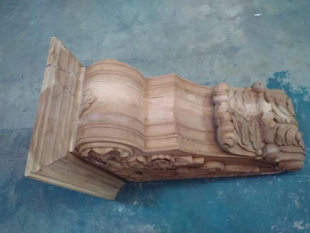 Carved Corbel SM