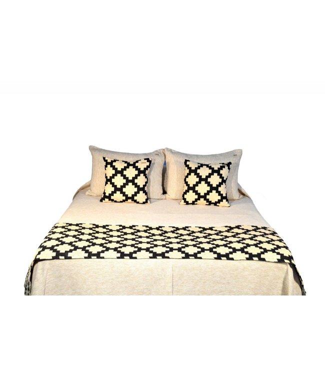 Huitru Bed Runner Sarape Ebony Queen