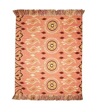 Huitru Throw Blanket Hilaria Pink