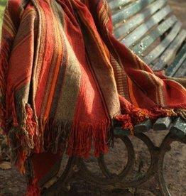 Huitru Throw Blanket Cautiva