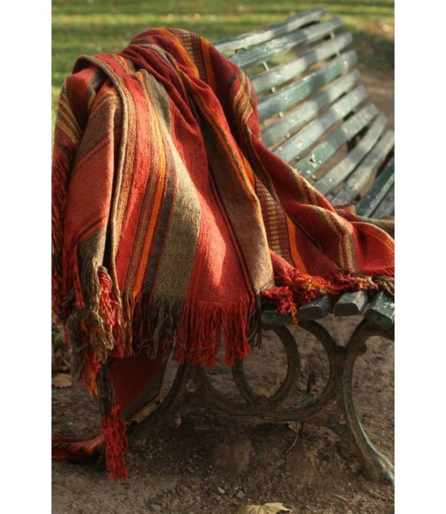Huitru Throw Blanket Cautiva