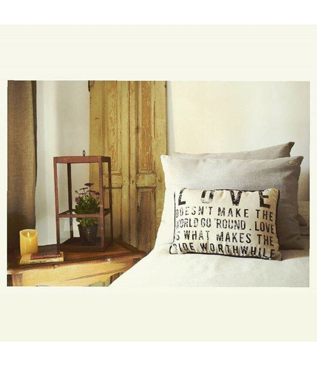 Huitru Cushion Case Love Crude