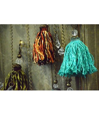 Huitru Tassel With Chain