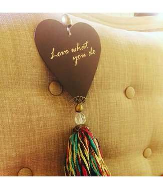 Huitru Tassel With Heart Shape