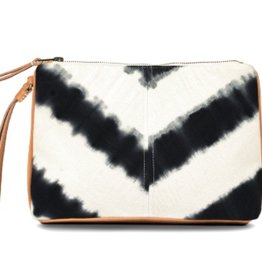 Bags Mercado Global - Carolina Clutch in Black Hand-Dye
