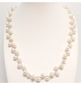 Delicate Zig-Zag Pearl Necklace