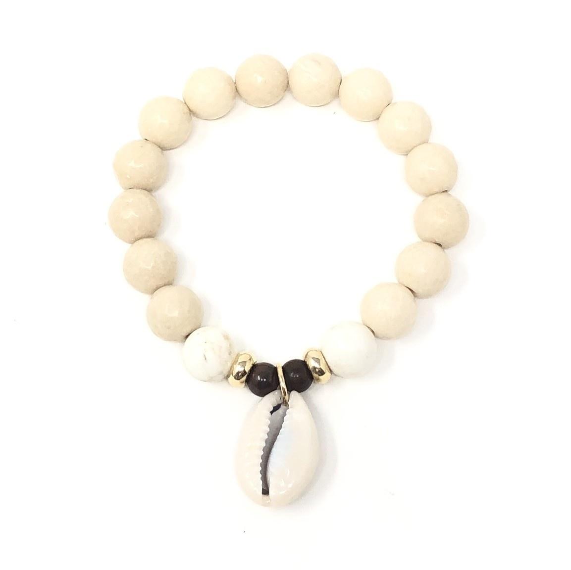River Agate Cowrie Bracelet Gold