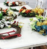 Seasonal Custom Wreath Class (Group Party)
