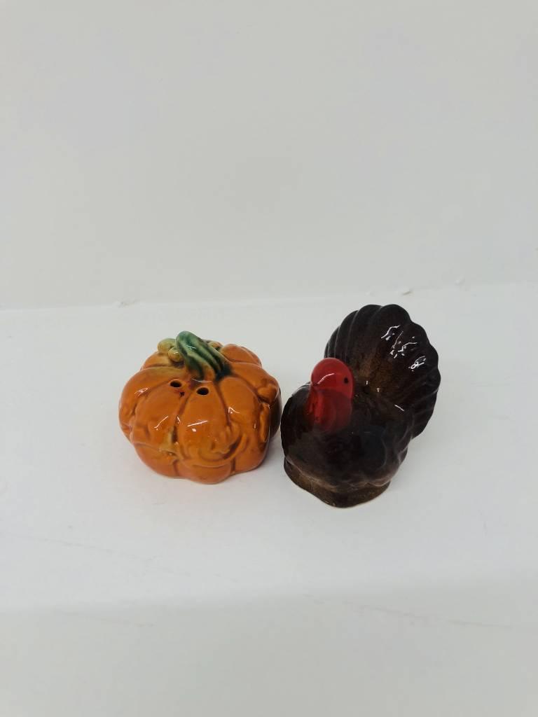 Vintage Turkey and Pumpkin Salt & Pepper Shaker Set