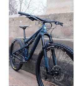Santa Cruz Santa Cruz 18 5010 2.0 a R1 27.5 Alloy Wheels Medium Gloss Ink - Black - DEMO