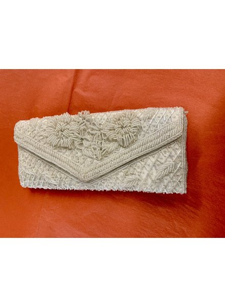 VINTAGE  WHITE BEAD CLUTCH