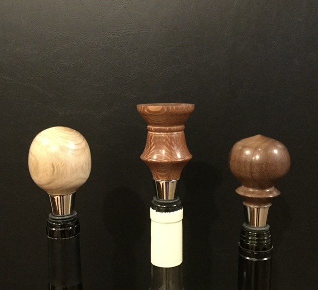 Wine Stopper Hand Tooled Wood Top w/Metal & Rubber Base 1ea