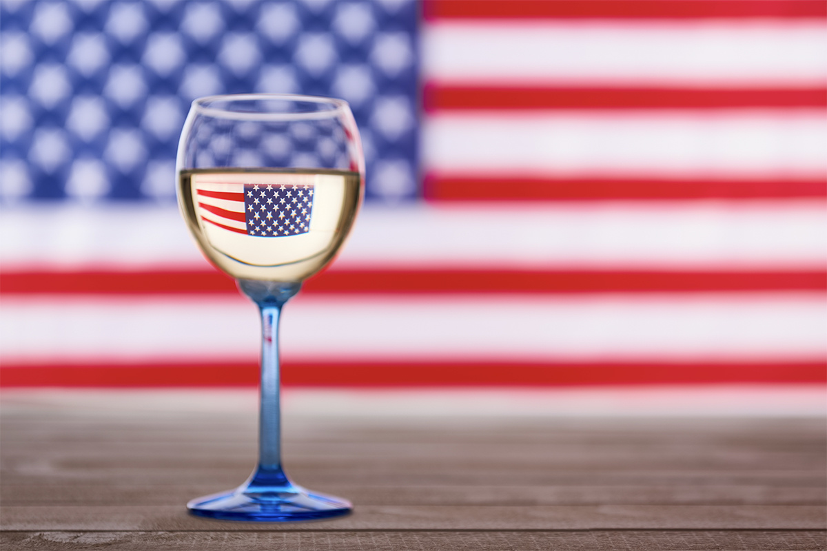 You CAN Drink White Wine After Labor Day!