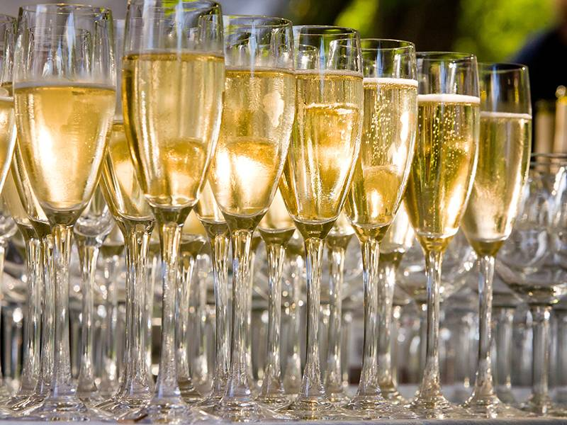 Champagne vs. Sparkling Wine