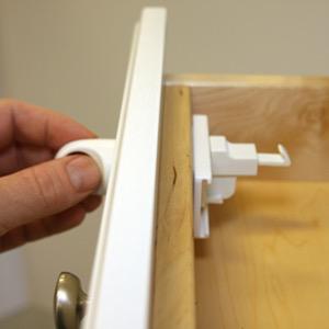 Qdos Qdos Adhesive Magnet Lock - 4 pk.