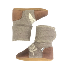 Nooks Nooks Embroidered Leaf Wool Booties