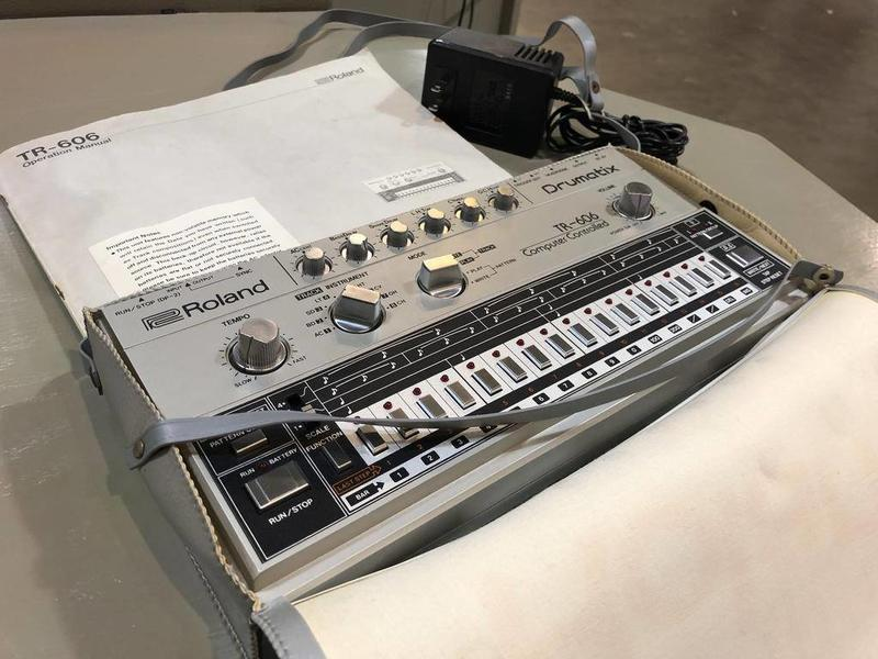 Roland TR-606 w/ Original Carrying Bag, VINTAGE