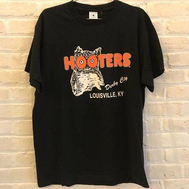 Hooters Lou