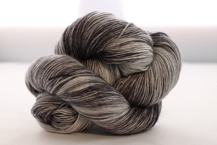 Dream in Color Jilly with Cashmere, Black and White