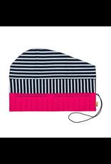 della Q Crochet Hook Roll, Fuchsia Linen