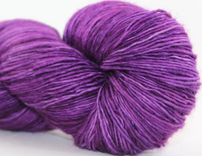 Knitted Wit Single Fingering, Tanzanite