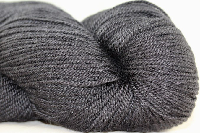 Baah Yarn Aspen, Shadow