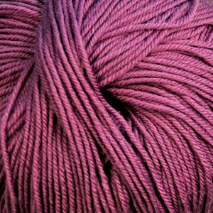 Cascade Yarns S/220 Superwash, Then There's Mauve Color 881