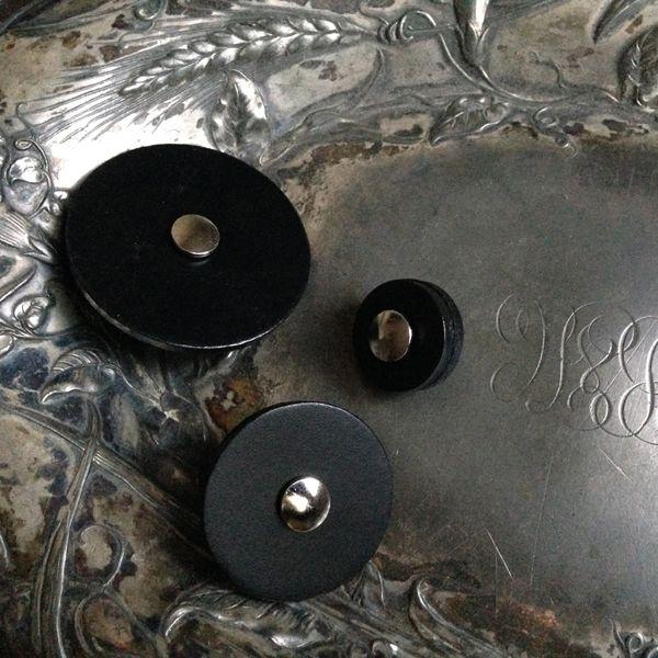 Jul Designs Leather Pedestal Button, Large Black