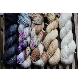 For Yarn's Sake, LLC Fading Point Wrap Kit, Black Pearl Mesa (Jilly)