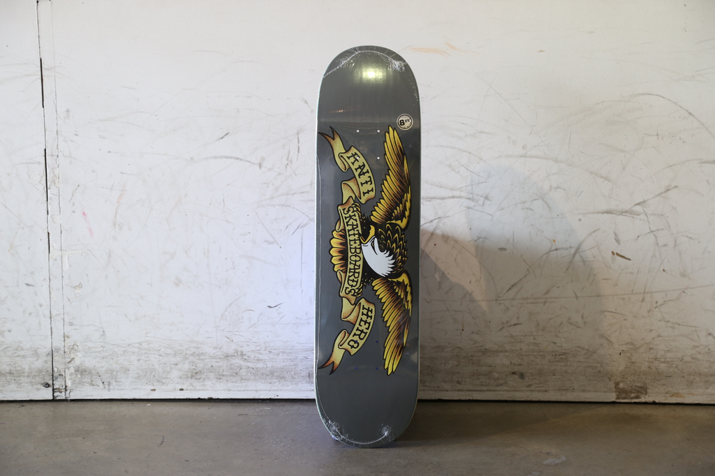 Anti Hero Skateboard Classic Eagle 8.25