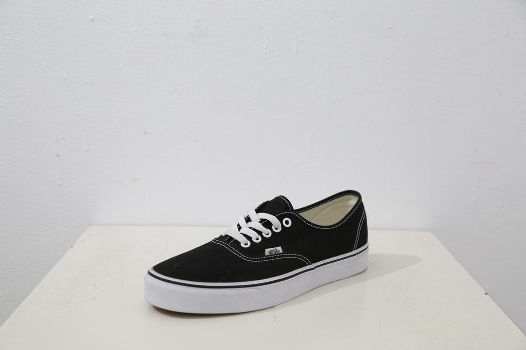 Vans Authentic Classic Shoe - Blk/Wht