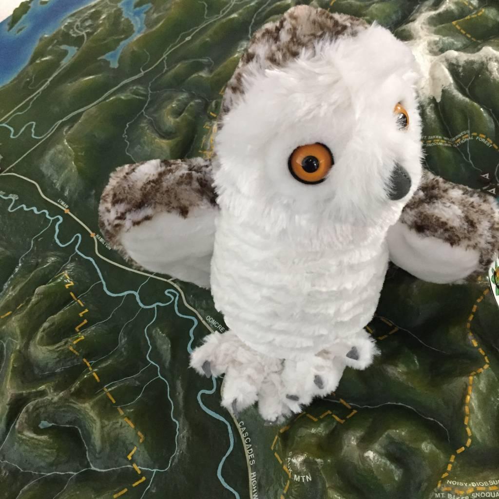 Stuffed animal snowy owl
