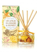 Rosy Rings An enchanting fragrance created by blending ethereal linden flowers with the first, tender blooms of an orange tree.  A gentle veil of soft white flowers envelops the honeyed florals.  The end result is a delightful spoonful of citrus-floral honey.<br /> <br /> Made