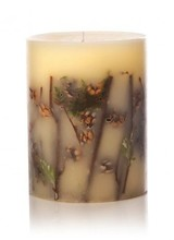 Rosy Rings Forest is hints of citron, golden raspberry and shaved ginger submerged into a deep woodsy-green base of clary sage, falling leaves, Scotch pine, creamy sandal, red cedar and white musk.<br /> <br /> Made with: birch branches, ferns, moss, essential and high quality
